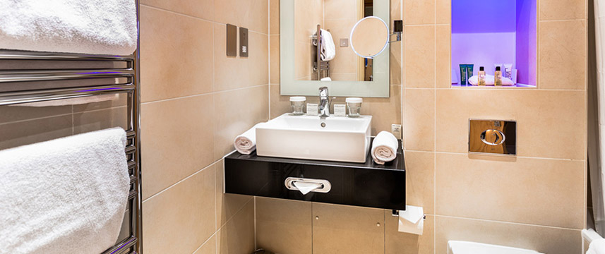 Washington Mayfair - Classic Double Bathroom