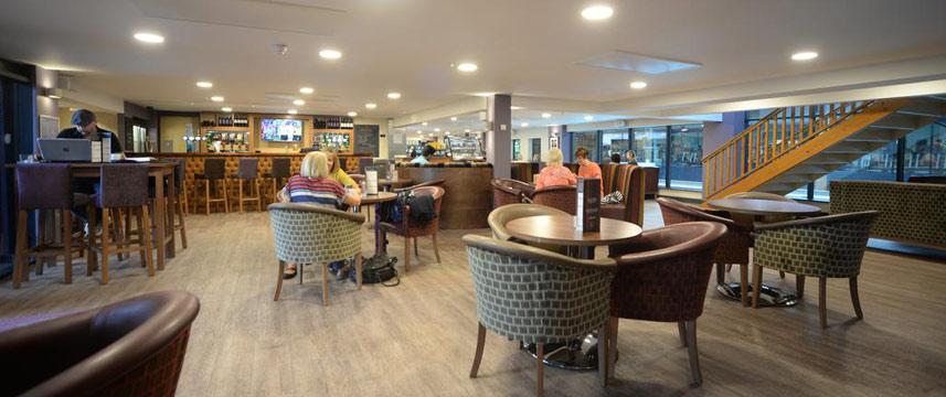Waterside Hotel and Leisure Club - Bar Area