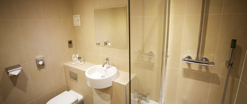 Waterside Hotel and Leisure Club - Shower