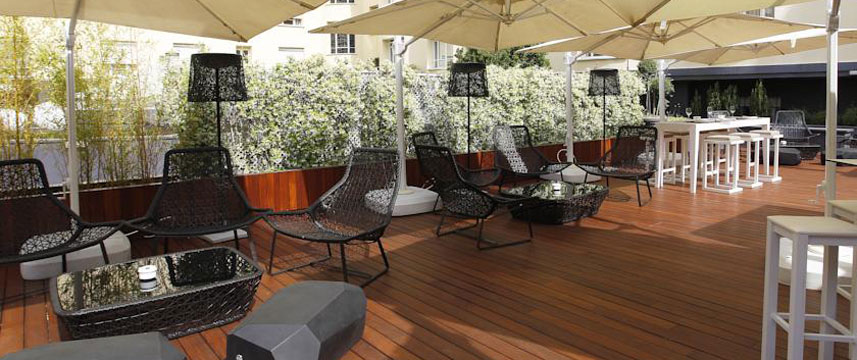Wellington Hotel - Terrace Seating