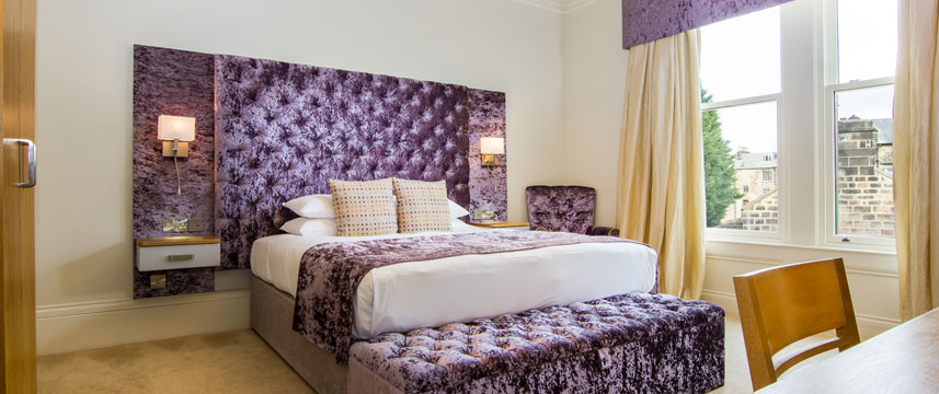 White Hart Hotel and Apartments - Deluxe Room