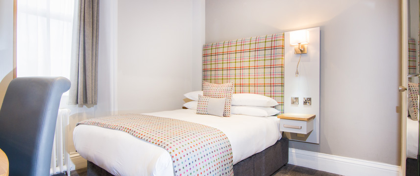 White Hart Hotel and Apartments - Small Double Bed
