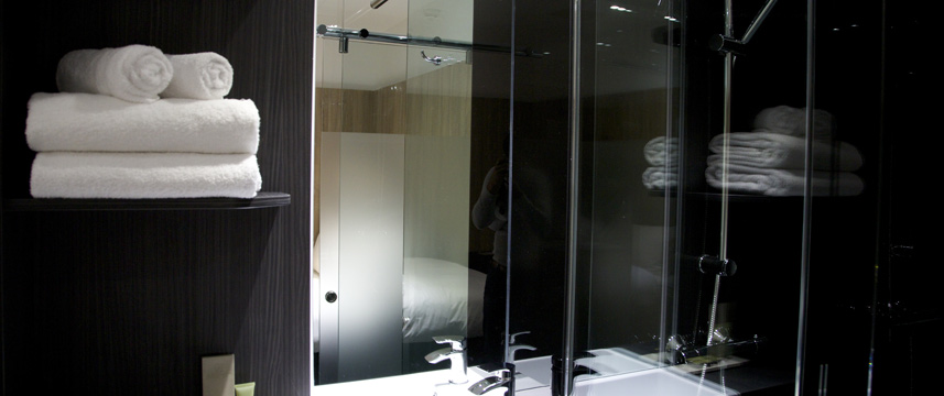 Z Hotel Bath - Inside Double Shower