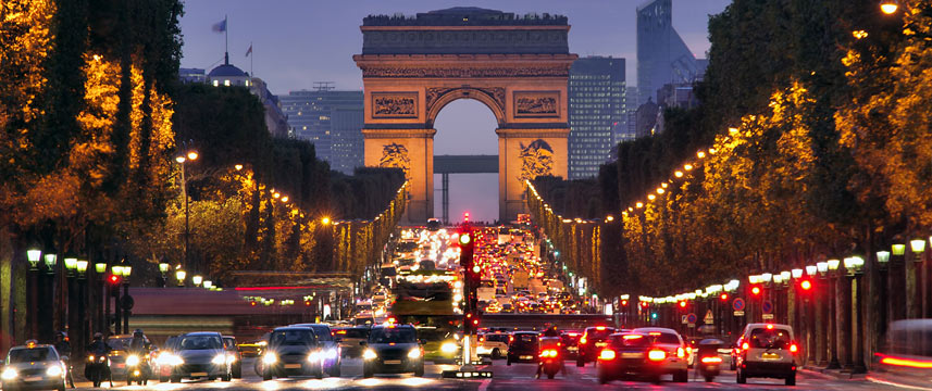 arc de triomphe rush hour