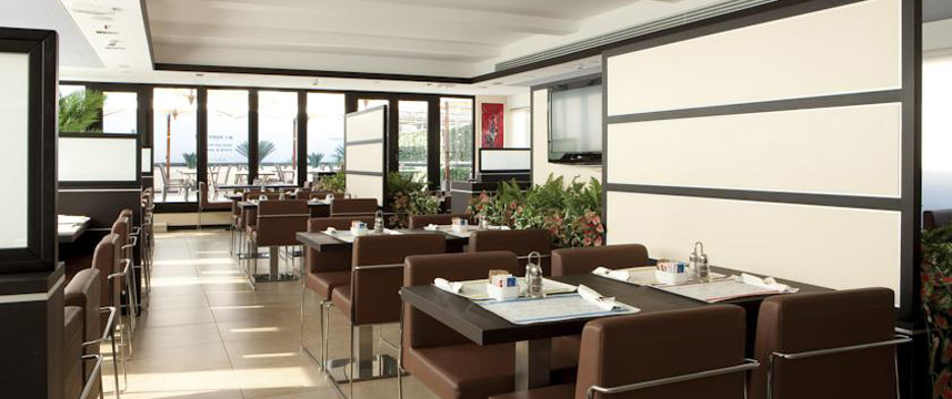 iQ Hotel Roma - Breakfast Room